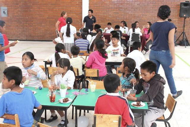 Alumnos de la UTT ofrecen festejo a niños de Casa Puente