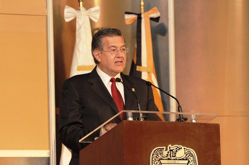 Blas José Flores Dávila, presenta tercer informe de actividades al frente de la Universidad Autónoma de Coahuila.