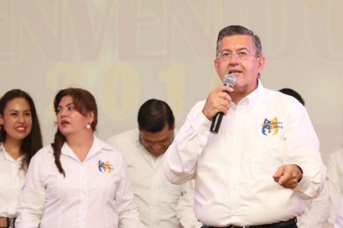 Dan bienvenida alumnos de nuevo ingreso de la UA de C en Unidad Torreón