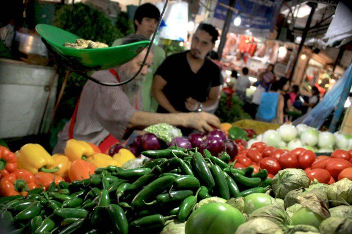 Sin repercusión aún en precios de la canasta básica tras 'gasolinazo'