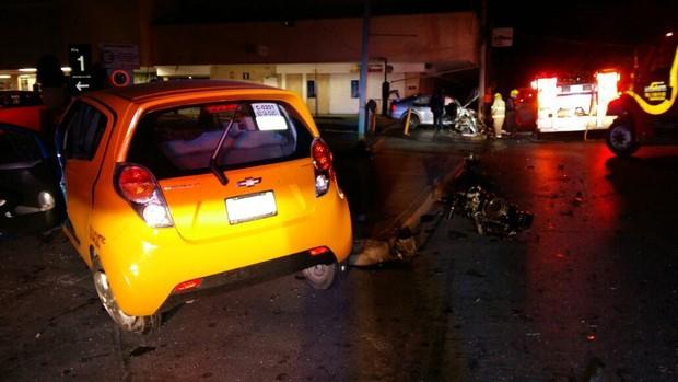 Conductor alcoholizado ocasiona aparatoso accidente