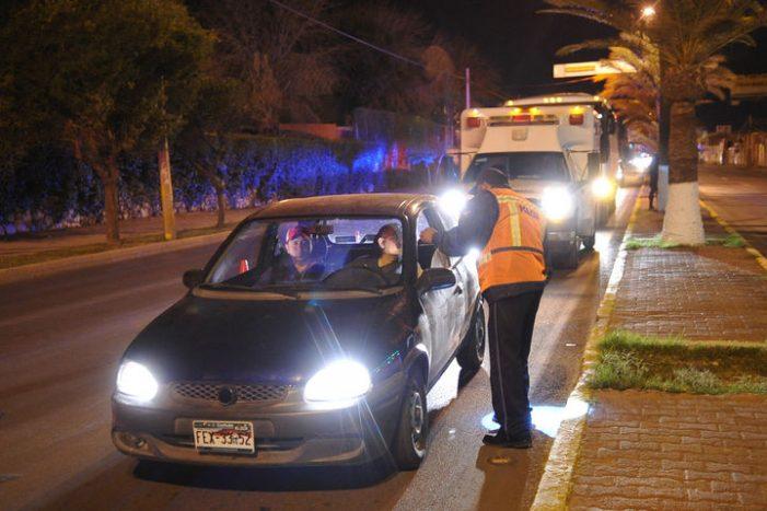 Detienen a 16 conductores en operativo de alcoholímetro
