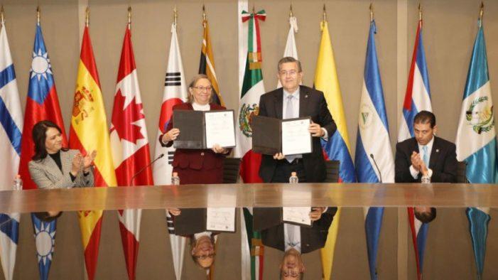 Universidad Autonoma de Coahuila firma convenio con el Instituto Nacional para la Evaluación de la Educación