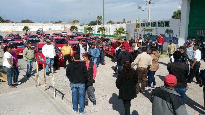Se manifiestan taxistas de Matamoros