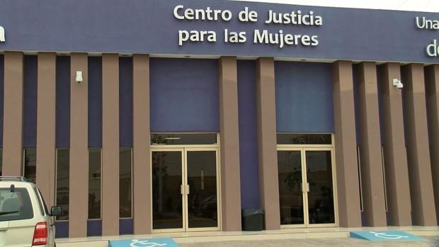 Centro de justicia para la mujer asesora sobre disputas de manutención