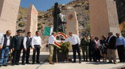 Conmemoran natalicio de Benito Juárez en la 'Cueva del Tabaco'