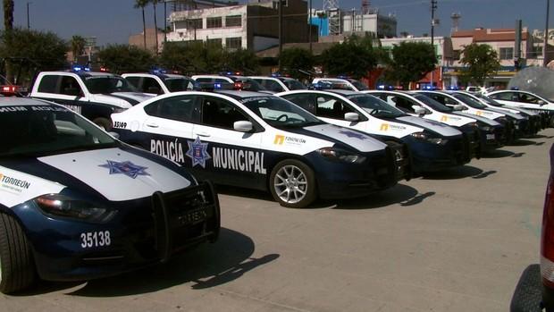Más policías y unidades para la ciudad, promete alcalde