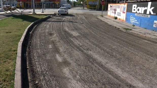 En Jacarandas y Alamedas no terminan repavimentación