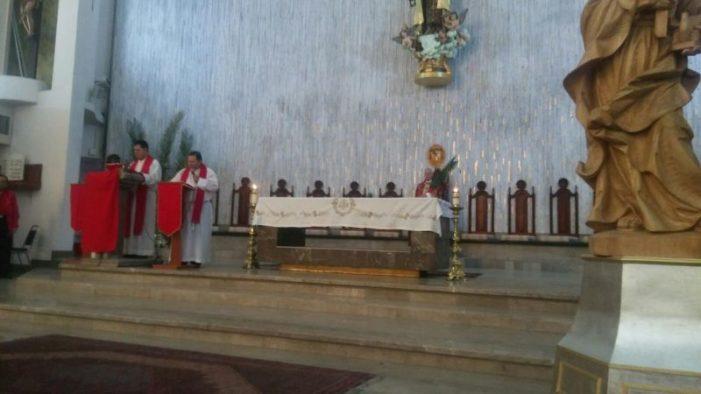 Celebran el domingo de ramos en la catedral