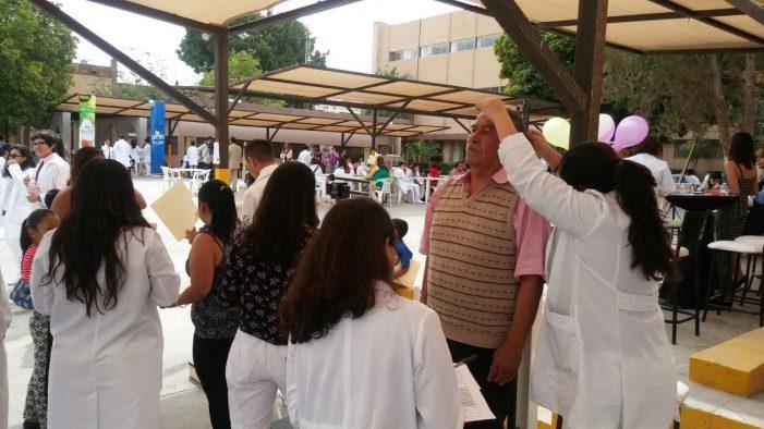 Atienden a más de 800 pacientes gratuitamente en Semana de la Salud
