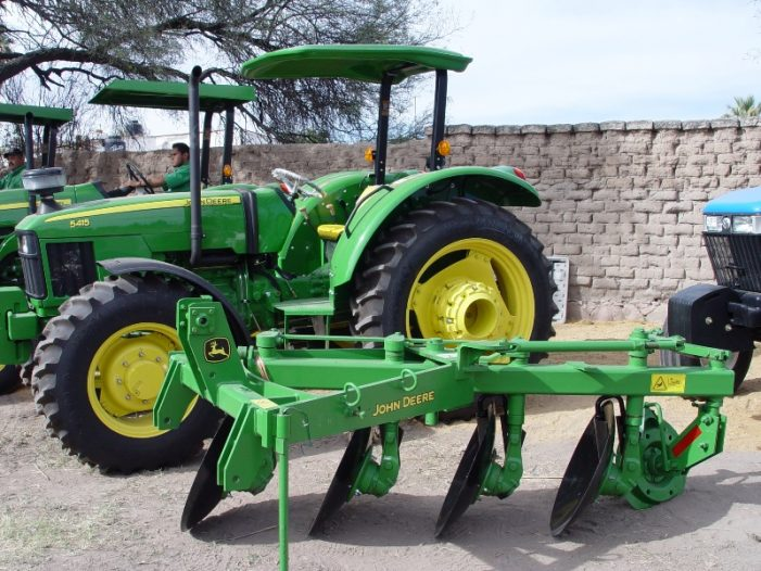 Entrega SAGARPA 70 millones para tractores, maquinaria y equipo